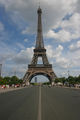 Face à la tour Eiffel 396.jpg
