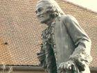 Voltaire Statue Ferney.jpg