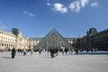 Pyramide du Louvre 347.jpg