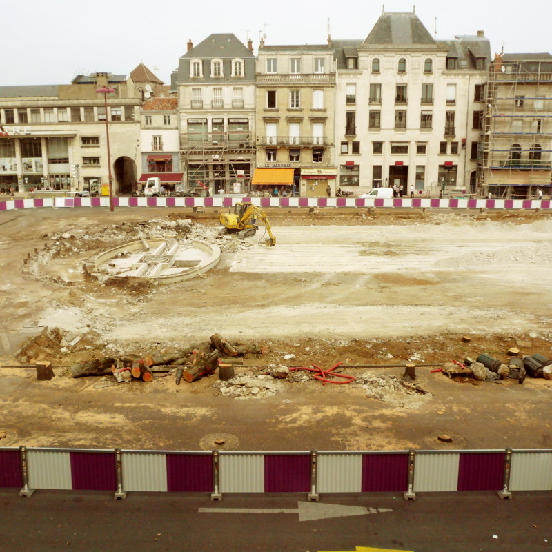 <High view of the town hall square of Poitiers during the renovation work, after the removal of all the centenary trees