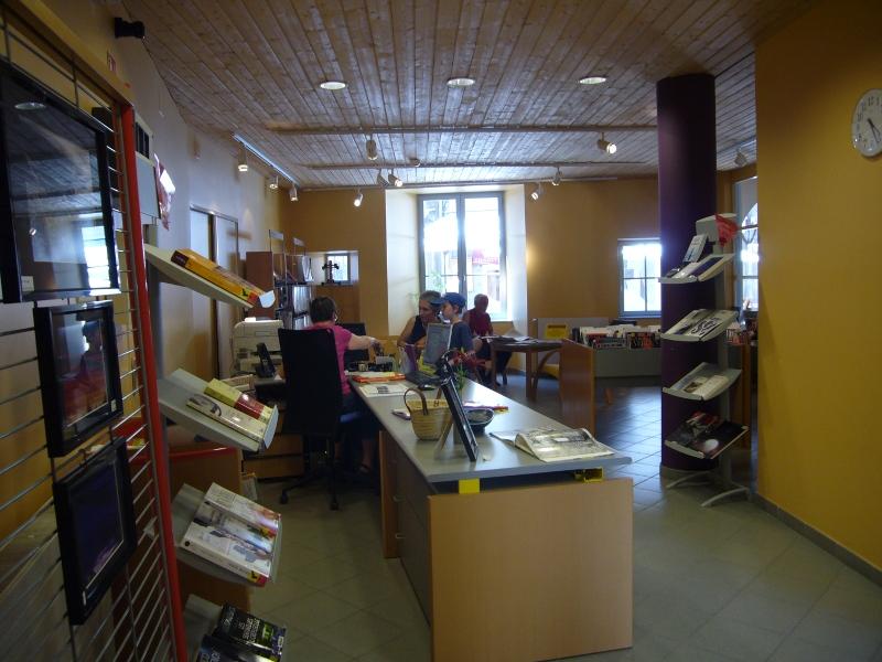 Bibliothèque de Besse -  1ere salle