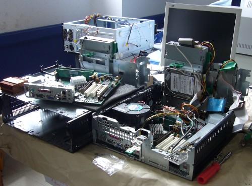 bazar d'ordinateurs